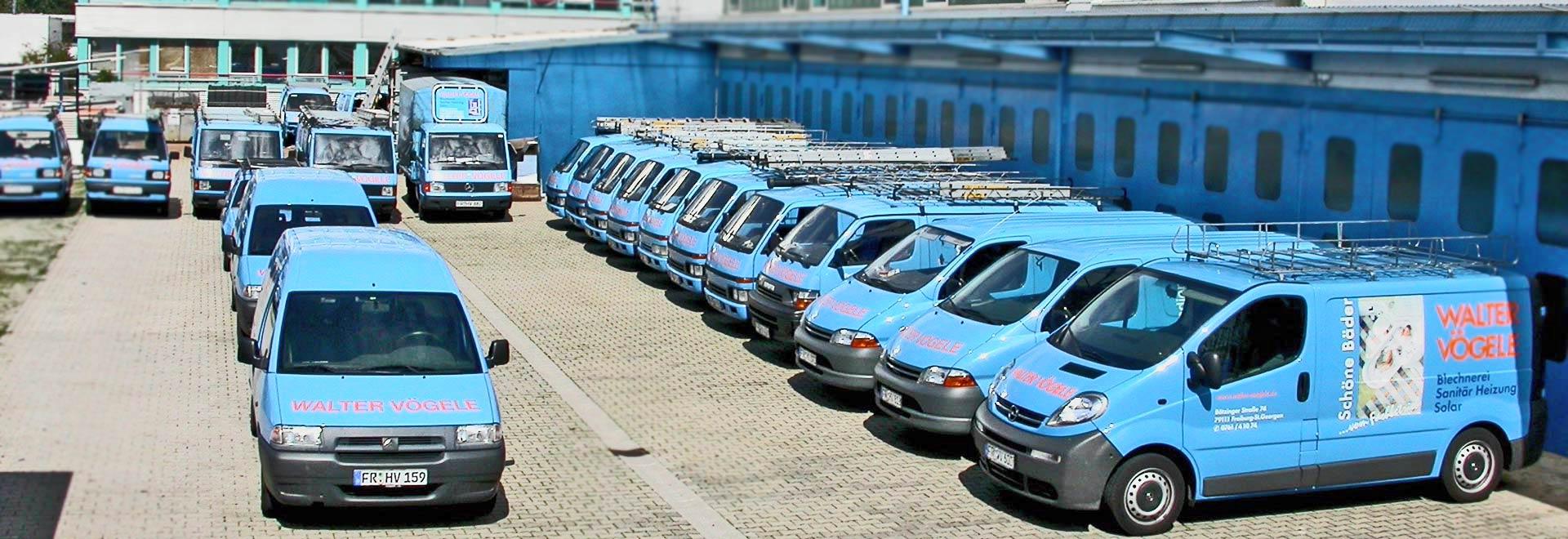 Unsere Kundendienst-Fahrzeuge, die 'blaue Flotte'