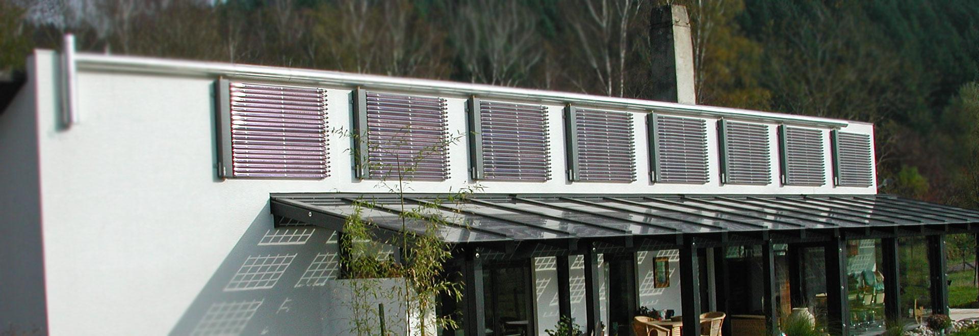 Walter Vögele GmbH in Freiburg: Solaranlage geschickt integrieren